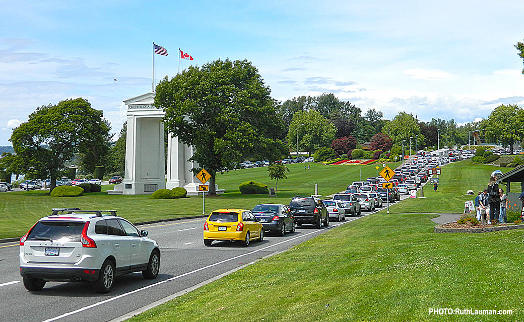 Border Line-up at Peace Arch Border Crossing.